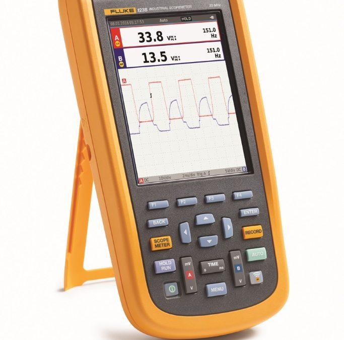 Eenvoudiger testen, meer inzicht en sneller storingzoeken aan elektromechanische apparatuur met de nieuwe compacte ScopeMeter®-serie 120B van Fluke.